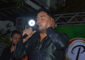 Manny-Manuel-Cantando-